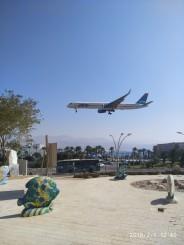 Aterizare..aeroport in centrul orasului