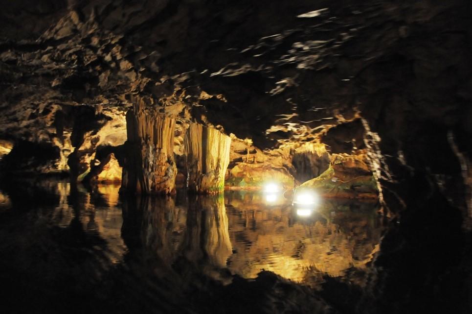 Картинки по запросу 2. Peștera Alepotrypa