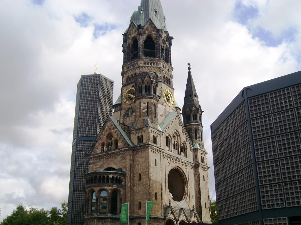 Imagini pentru Biserica Kaiser Wilhelm
