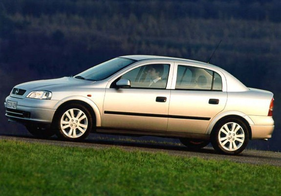 «Опель Астра» является по-настоящему выдающимся автомобилем, поскольку ему удалось пережить большинство других моделей данной компании.